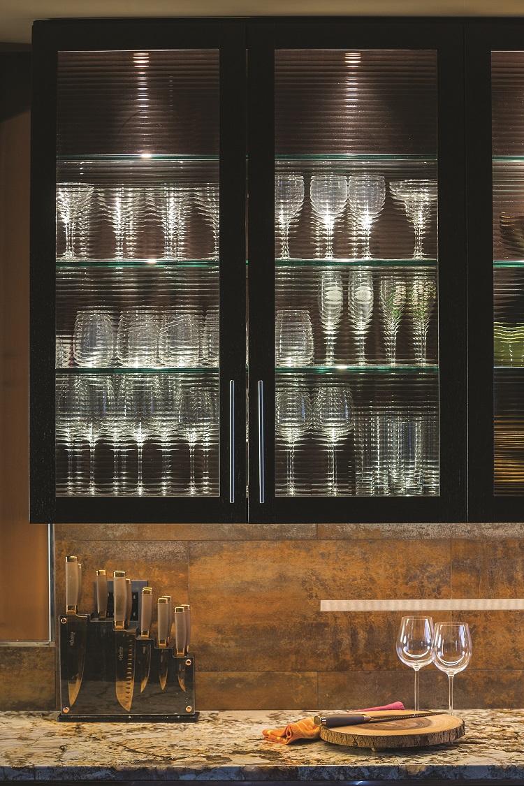 led lights kitchen backsplash and cabinets
