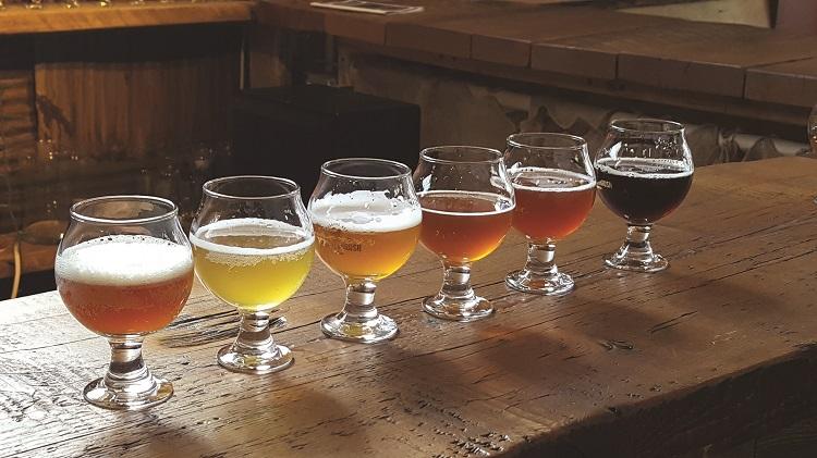 hermit thrush brewery beer tasting flight